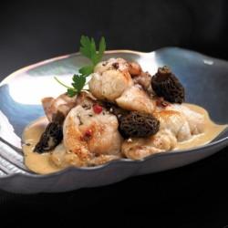 Les Ris de Veau Braisés en Cocotte Mijotés aux Morilles, Sauce au Jus de Truffes Noires du Périgord Bocal de 380g Valette